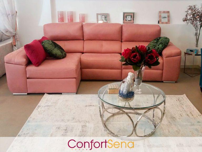sofá con chaise longue en Granada de la tienda ConfortSena