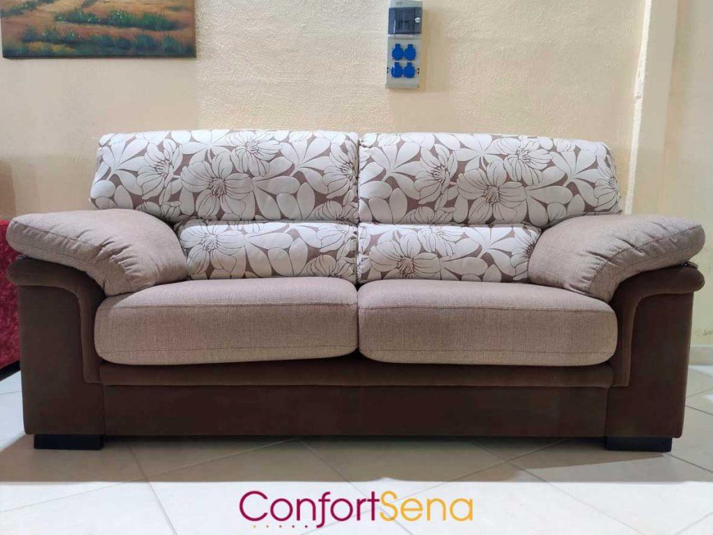 sofá en oferta marrón y con flores de limpieza fácil en Granada